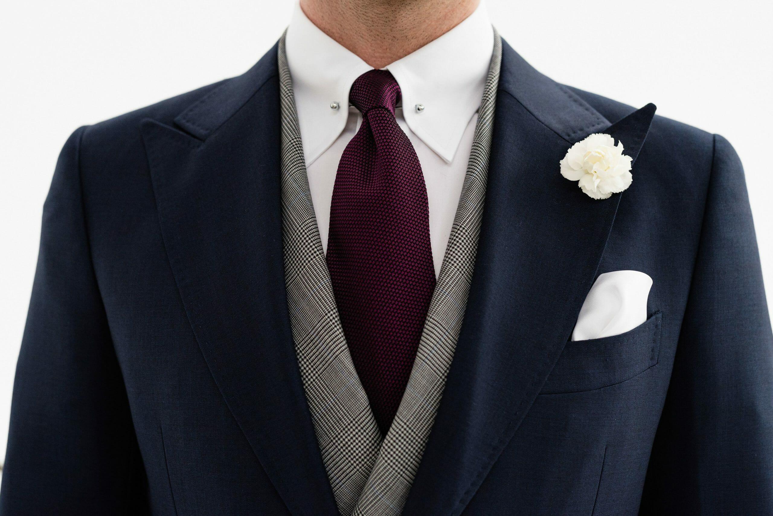 Koszula do czarnego garnituru jaka Jak dobrać