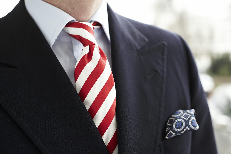 Картинки по запросу krawat bialo czerwony