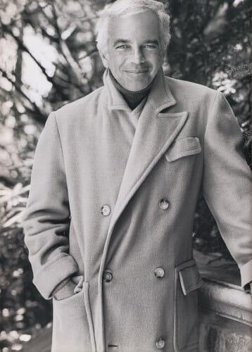 Sławny projektant Ralph Lauren w płaszczu polo