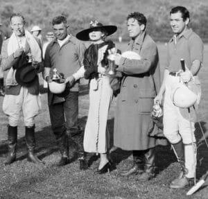 gracze polo pozują do zdjęcia