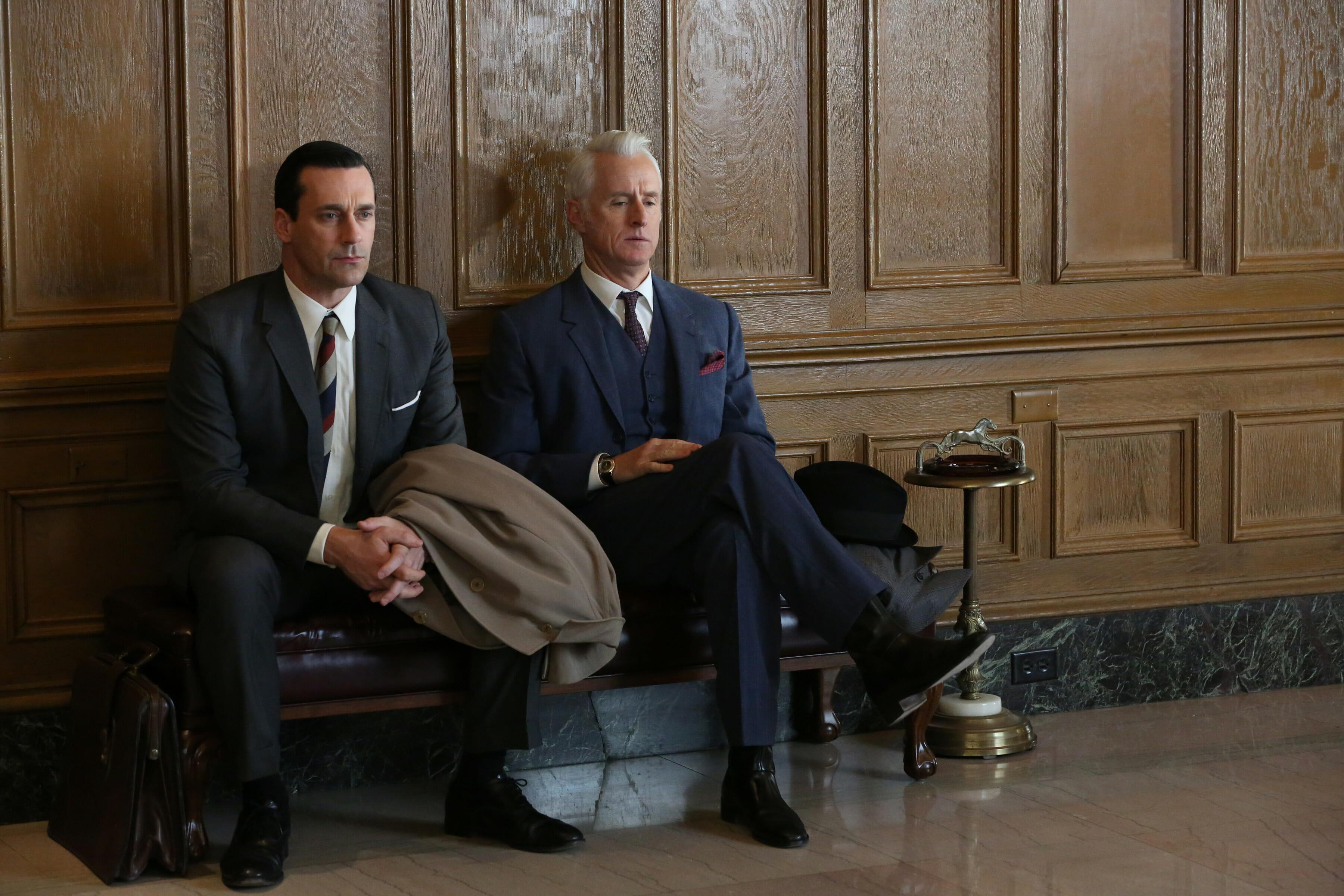 Konserwatywne garnitury z serialu Mad Men sprawdziłyby się też na sali sądowej