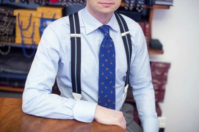 Szelki do garnituru. Jak nosić?