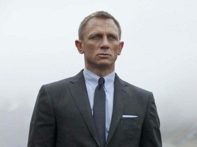 7 wyjątkowych koszul Jamesa Bonda