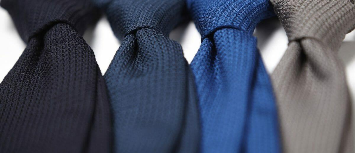 niebieskie krawaty grenadyna