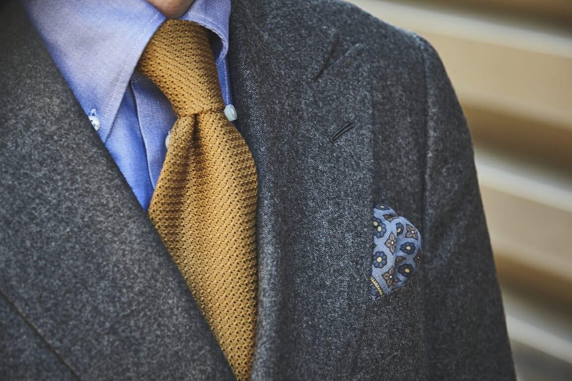 złoty krawat