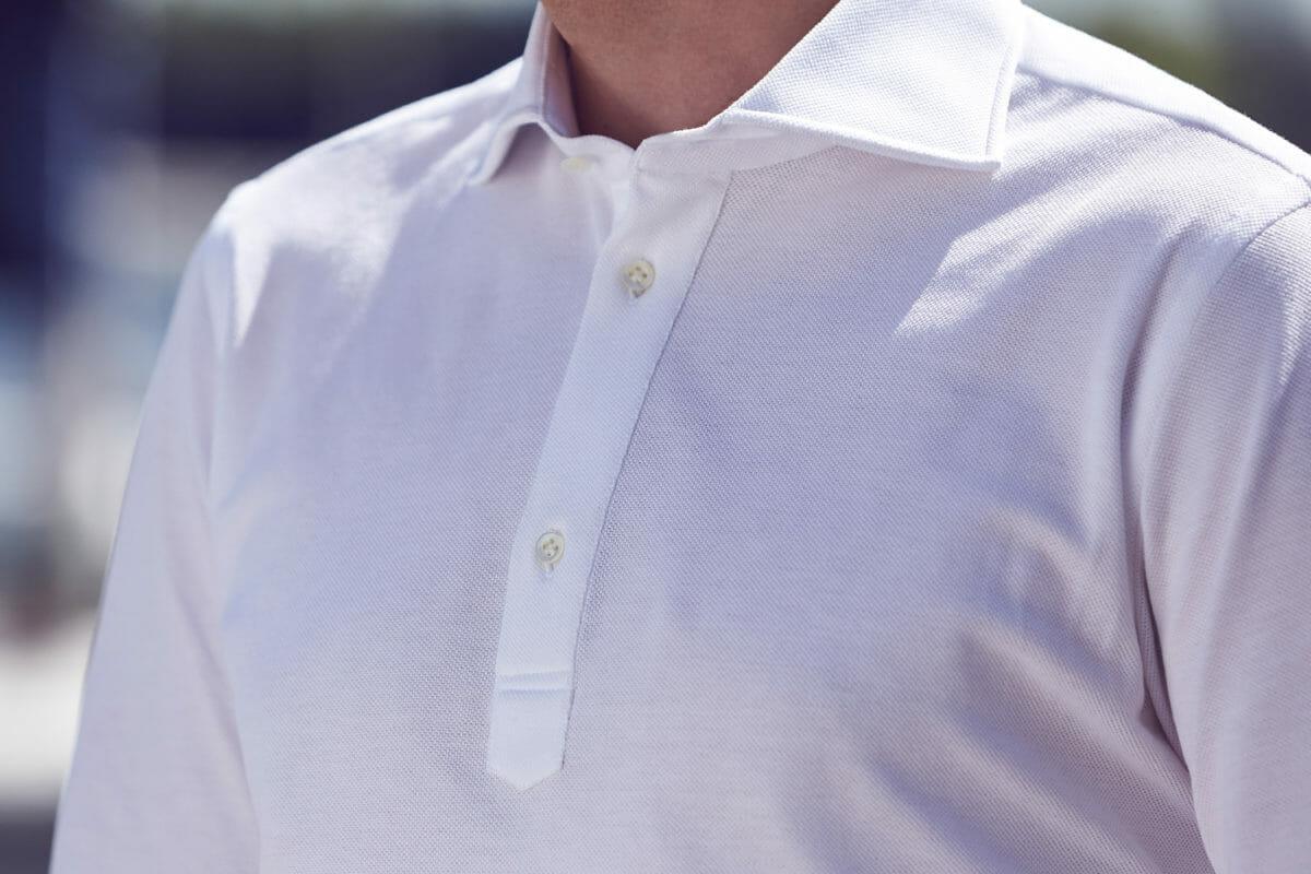 Biała koszula kołnierzyk włoski