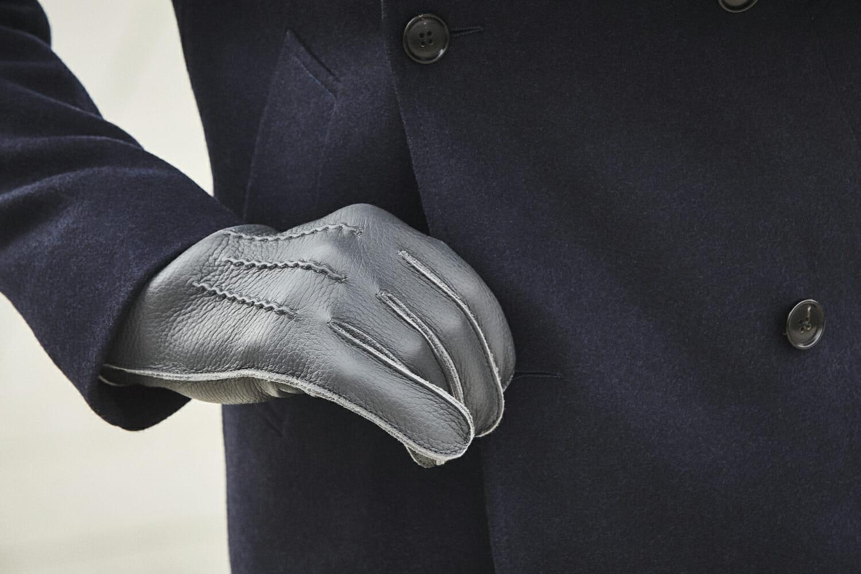 czarne rękawiczki skórzane