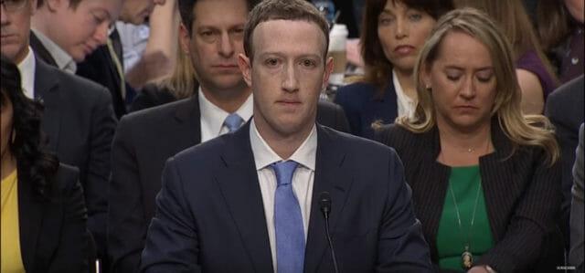 Zuckerberg w Senacie. Czy hiperpoprawny wygląd wzbudza zaufanie?