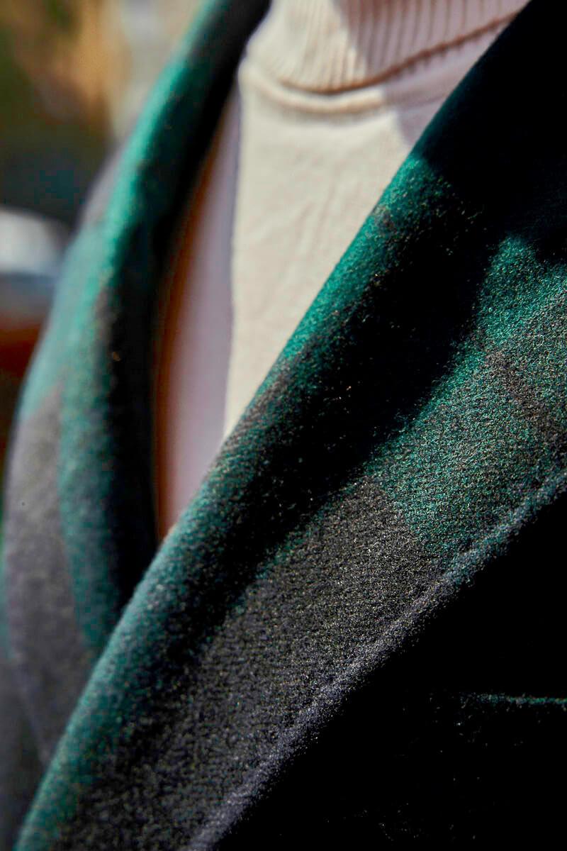 zielono-granatowy płaszcz męski w kratę