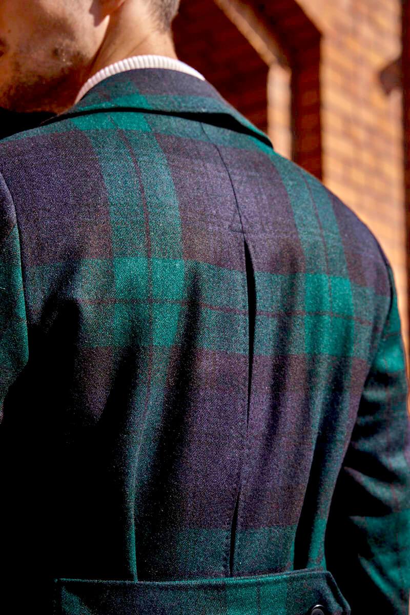 Płaszcz męski w kratę z kontrafałdą