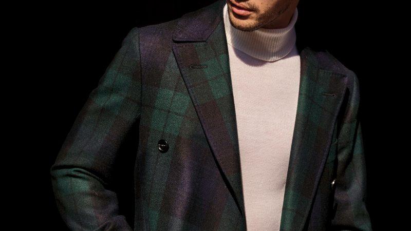Płaszcz męski w kratę black watch – kiedy pasuje?